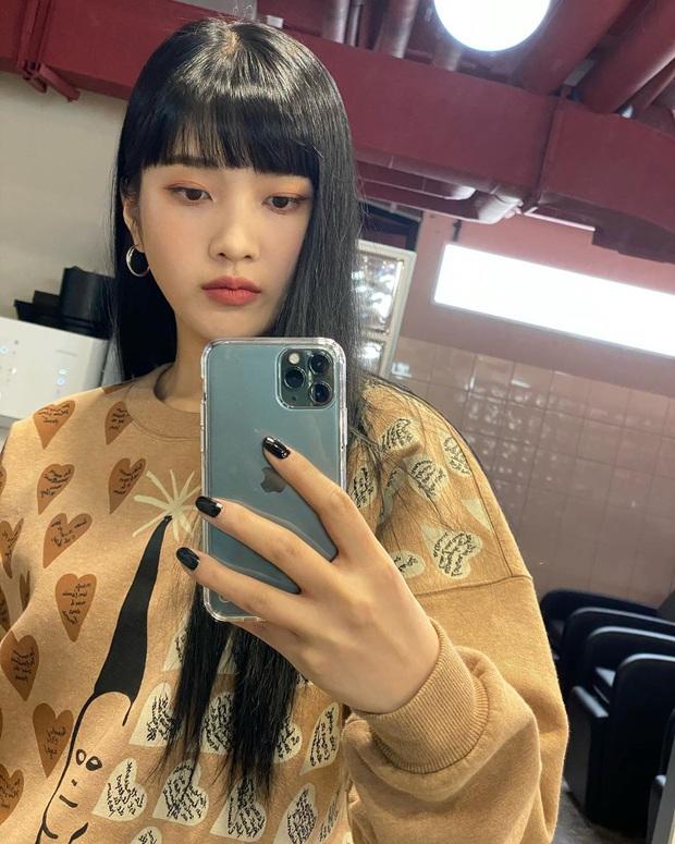 Loạt mỹ nhân châu Á trở về với tóc đen: Tưởng lúa nào ngờ ai cũng sang hơn gấp bội, riêng Lisa đẹp ma mị đến mức lên top trending - Ảnh 4.