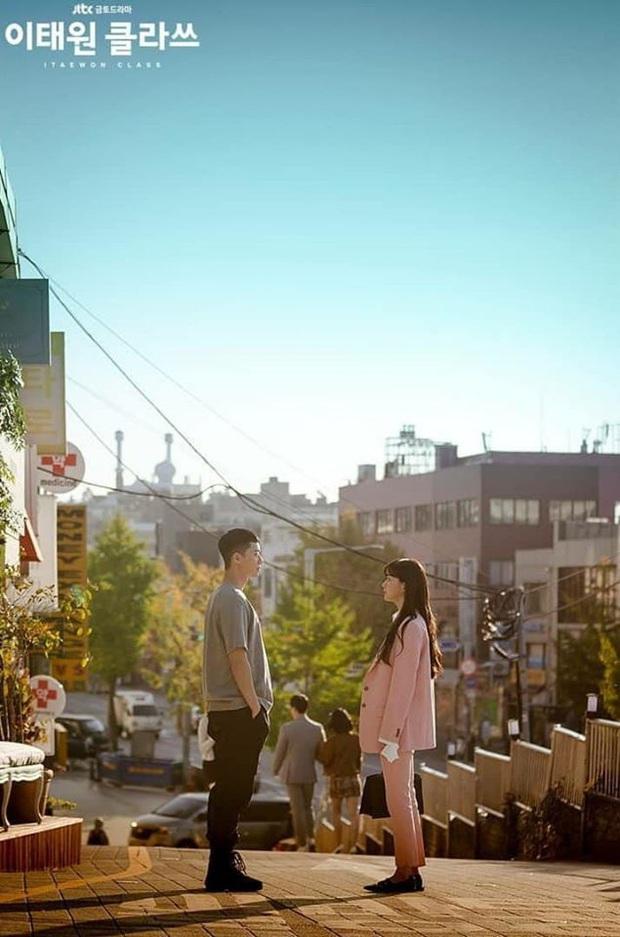 Zoom in khu phố trong phim Itaewon Class của nam thần Park Seo Joon: Là nơi sầm uất nhất Seoul nhưng lại rất ít người Hàn muốn đến đây? - Ảnh 3.