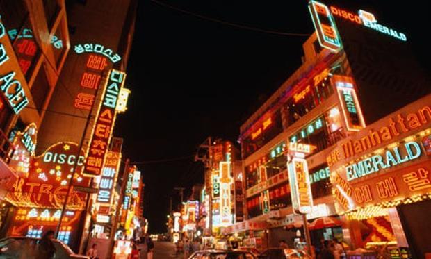 Zoom in khu phố trong phim Itaewon Class của nam thần Park Seo Joon: Là nơi sầm uất nhất Seoul nhưng lại rất ít người Hàn muốn đến đây? - Ảnh 11.