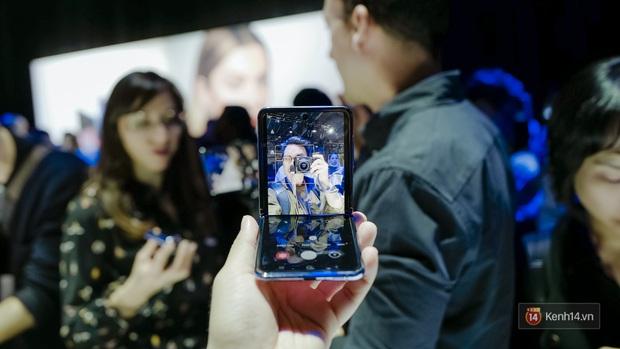 Smartphone có mặt bằng KÍNH nhưng GẬP LẠI được đầu tiên trên thế giới nhìn đẳng cấp cỡ nào? - Ảnh 13.