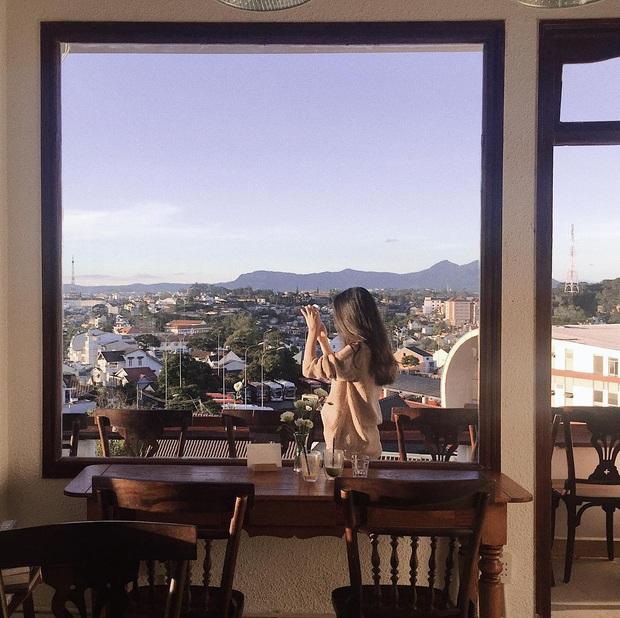 Đà Lạt có nhiều quán cafe thật, nhưng tất cả đều xoay quay 4 phong cách này: Style nào cũng có cả núi ảnh đẹp mang về - Ảnh 13.
