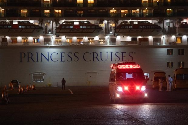 Thảm cảnh của 1035 thủy thủ trên du thuyền Princess Diamond bị phong tỏa: Ăn uống và dùng nhà vệ sinh chung, nguy cơ nhiễm virus cao - Ảnh 4.