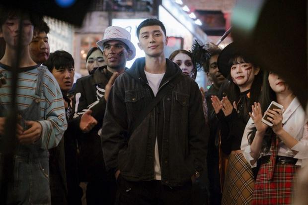 Giải mã từ Itaewon mới thấy Tầng Lớp Itaewon của Park Seo Joon quá thâm ngay từ tên phim - Ảnh 4.