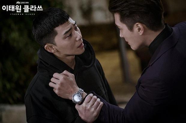 Review Tầng Lớp Itaewon: Các chị đại kình nhau cực gắt, càng xem càng choáng kế hoạch báo thù 15 năm của đầu gấu Park Seo Joon - Ảnh 8.