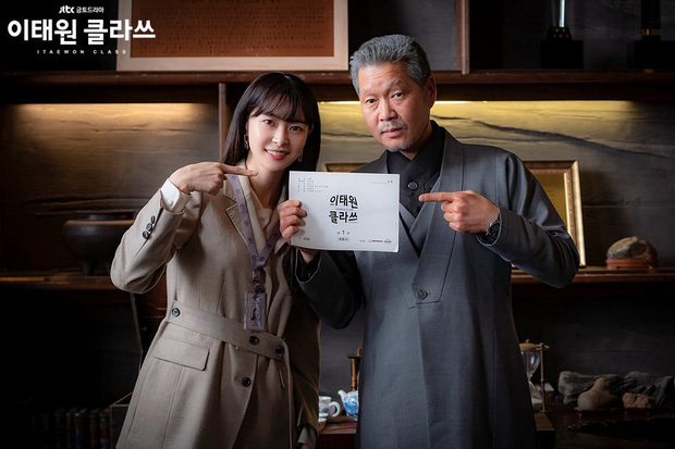 Review Tầng Lớp Itaewon: Các chị đại kình nhau cực gắt, càng xem càng choáng kế hoạch báo thù 15 năm của đầu gấu Park Seo Joon - Ảnh 7.
