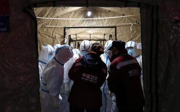 Lý giải về hiện tượng người siêu lây nhiễm: Tại sao có người lây lan virus nhiều hơn người thường? - Ảnh 1.