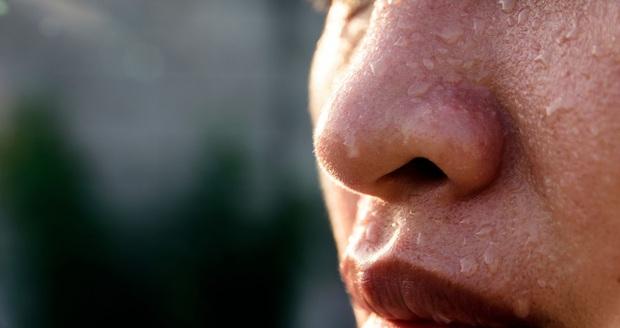 4 vị trí thường xuyên đổ nhiều mồ hôi báo hiệu sức khỏe đang có vấn đề - Ảnh 2.