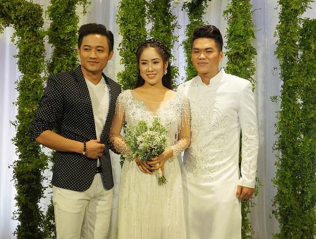 Lê Phương đăng ảnh người yêu cũ 8 năm và chồng thân thiết bên nhau - Ảnh 3.