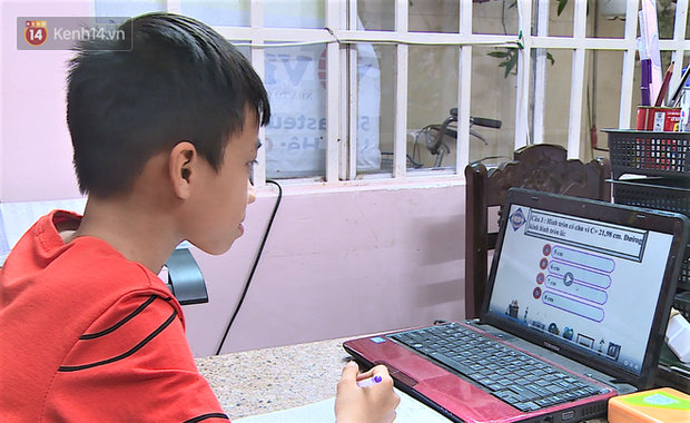 Clip: Cận cảnh giáo viên ứng dụng công nghệ 4.0 dạy học trực tuyến trong mùa dịch Covid-19 - Ảnh 10.