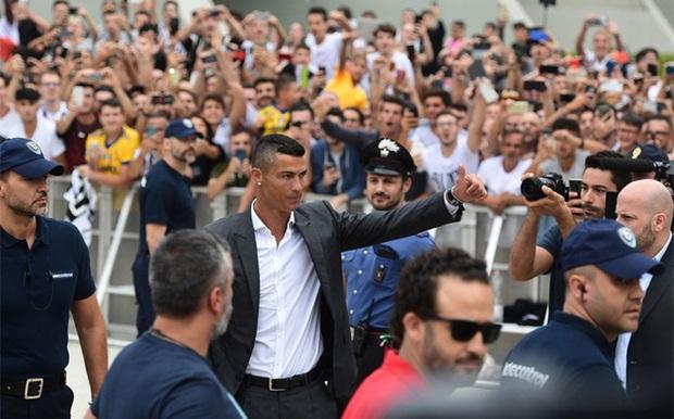 Đọc trộm nhật ký của Ronaldo khi Messi về chung đội - Ảnh 3.