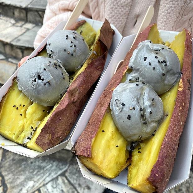 Món ăn gây hoang mang tại Nhật Bản vì không biết nên gọi tên sao cho đúng: là kem khoai lang hay khoai lang kẹp kem đây? - Ảnh 1.