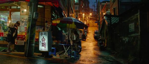"""Tiệm tạp hoá và tiệm bánh pizza trở thành… địa điểm du lịch hot nhờ bộ phim """"Kí Sinh Trùng"""", sau Oscar còn đông khách hơn nữa - Ảnh 2."""