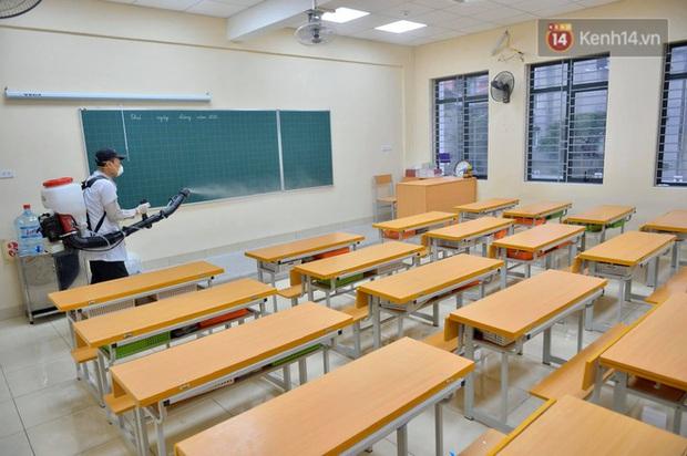 Bộ Y Tế: Học sinh không cần thiết phải đeo khẩu trang ở trường, nếu sốt và ho phải chủ động ở nhà! - Ảnh 6.