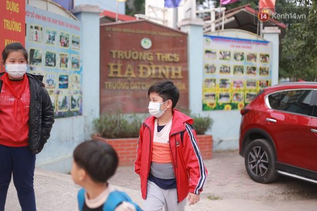 Bộ Y Tế: Học sinh không cần thiết phải đeo khẩu trang ở trường, nếu sốt và ho phải chủ động ở nhà! - Ảnh 4.