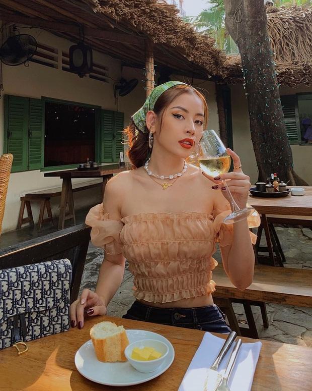 Mốt khăn buộc đầu của sao Việt: Trông hay ho, chanh sả là thế nhưng không phải ai cũng đu theo được - Ảnh 1.