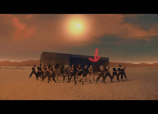 """Tân binh """"cosplay"""" BLACKPINK lại gây chú ý vì khoảng trống bí ẩn trong đội hình, netizen thi nhau réo gọi… thành viên IZ*ONE - Ảnh 4."""