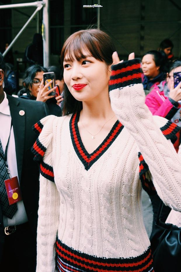 """2 mỹ nhân sexy nhất nhì Kpop thế hệ mới gây xôn xao sự kiện quốc tế: Joy (Red Velvet) xinh quá, nhưng sao vẫn thua """"báu vật quốc dân""""? - Ảnh 6."""