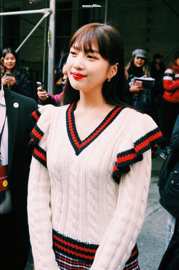 """2 mỹ nhân sexy nhất nhì Kpop thế hệ mới gây xôn xao sự kiện quốc tế: Joy (Red Velvet) xinh quá, nhưng sao vẫn thua """"báu vật quốc dân""""? - Ảnh 7."""