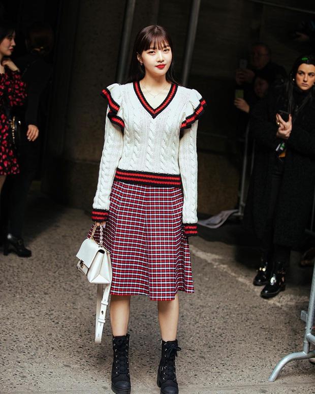 """2 mỹ nhân sexy nhất nhì Kpop thế hệ mới gây xôn xao sự kiện quốc tế: Joy (Red Velvet) xinh quá, nhưng sao vẫn thua """"báu vật quốc dân""""? - Ảnh 4."""