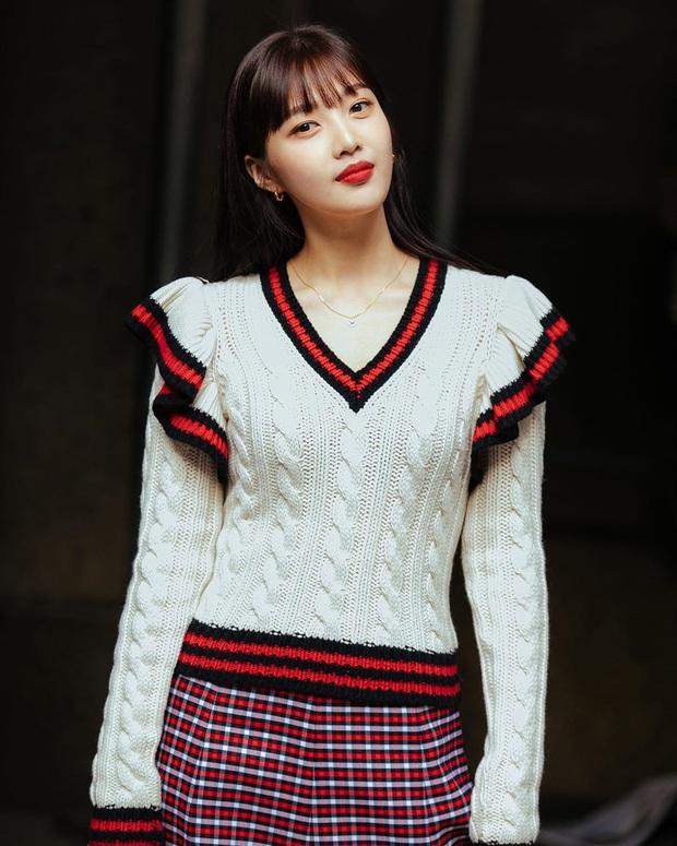 """2 mỹ nhân sexy nhất nhì Kpop thế hệ mới gây xôn xao sự kiện quốc tế: Joy (Red Velvet) xinh quá, nhưng sao vẫn thua """"báu vật quốc dân""""? - Ảnh 8."""