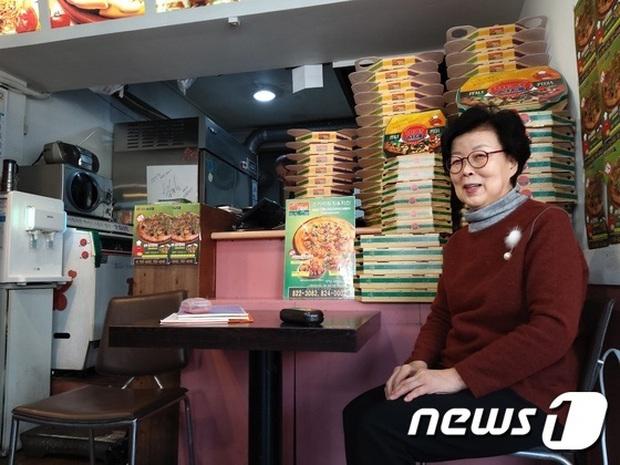 """Tiệm tạp hoá và tiệm bánh pizza trở thành… địa điểm du lịch hot nhờ bộ phim """"Kí Sinh Trùng"""", sau Oscar còn đông khách hơn nữa - Ảnh 12."""