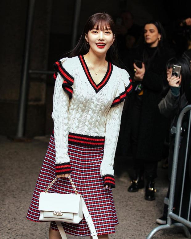 """2 mỹ nhân sexy nhất nhì Kpop thế hệ mới gây xôn xao sự kiện quốc tế: Joy (Red Velvet) xinh quá, nhưng sao vẫn thua """"báu vật quốc dân""""? - Ảnh 5."""