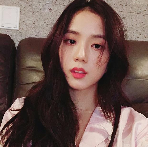 Top idol sở hữu đôi môi đẹp và hình dáng kỳ lạ hiếm Kpop: Toàn nam thần nữ thần, nhìn là biết xu hướng môi tại Hàn - Ảnh 6.