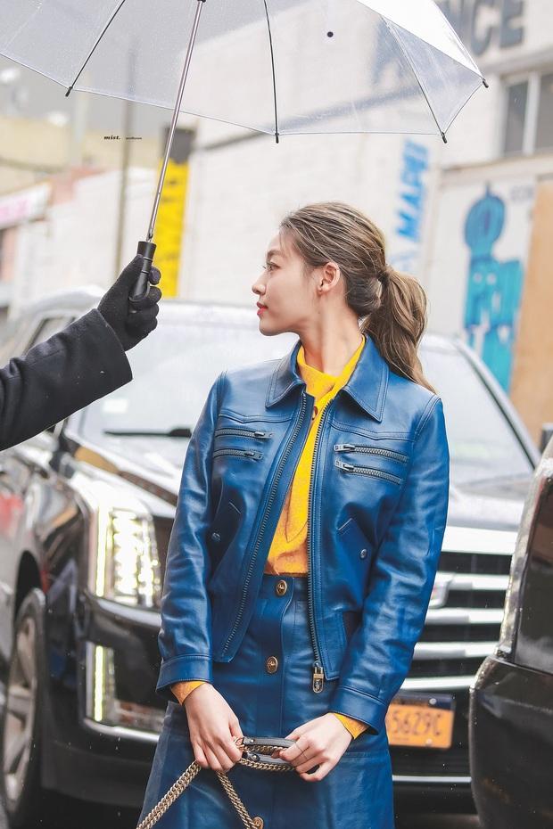 """2 mỹ nhân sexy nhất nhì Kpop thế hệ mới gây xôn xao sự kiện quốc tế: Joy (Red Velvet) xinh quá, nhưng sao vẫn thua """"báu vật quốc dân""""? - Ảnh 16."""