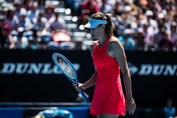 Sự nghiệp xuống dốc nhưng nhan sắc lên hương: Búp bê cao 1m88 Maria Sharapova xuất hiện tại NYFW với nhan sắc cực đỉnh, thần thái ngút ngàn - Ảnh 9.