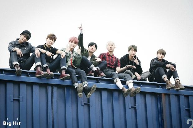4 concept trong album sắp tới của BTS: visual, bối cảnh đẹp xuất sắc, theory khiến ARMY tiếp tục xoắn não khi liên hệ về tận album WINGS? - Ảnh 9.