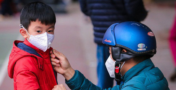 Bộ Y Tế: Học sinh không cần thiết phải đeo khẩu trang ở trường, nếu sốt và ho phải chủ động ở nhà! - Ảnh 2.