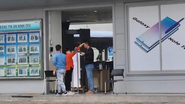 Giữa cơn bùng phát dịch corona, Samsung duy trì hoạt động nhà máy 60.000 công nhân ở Việt Nam bằng cách nào? - Ảnh 2.