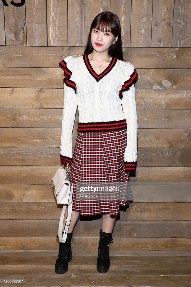 Joy (Red Velvet) lên đồ xinh tươi như nữ sinh, đẹp thách thức mọi góc chụp dìm hàng tại NYFW - Ảnh 1.