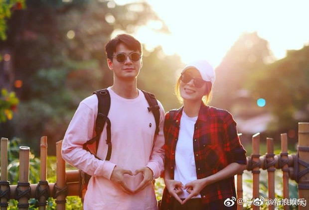 Ảnh hậu TVB Dương Di vỡ oà, khoe hạnh phúc lần đầu mang thai ở tuổi 40 cho chồng trẻ kém 5 tuổi - Ảnh 1.