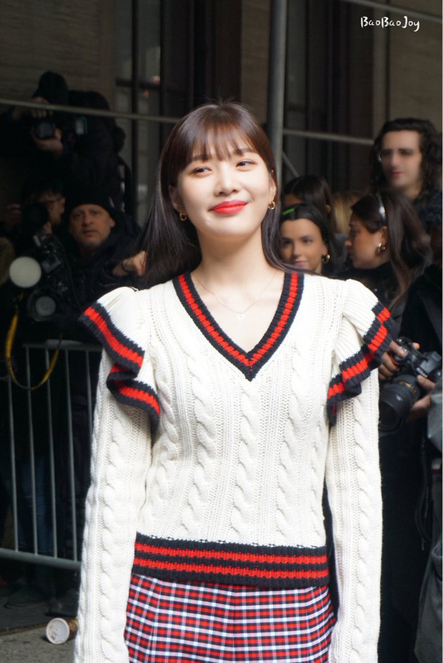 Joy (Red Velvet) lên đồ xinh tươi như nữ sinh, đẹp thách thức mọi góc chụp dìm hàng tại NYFW - Ảnh 4.
