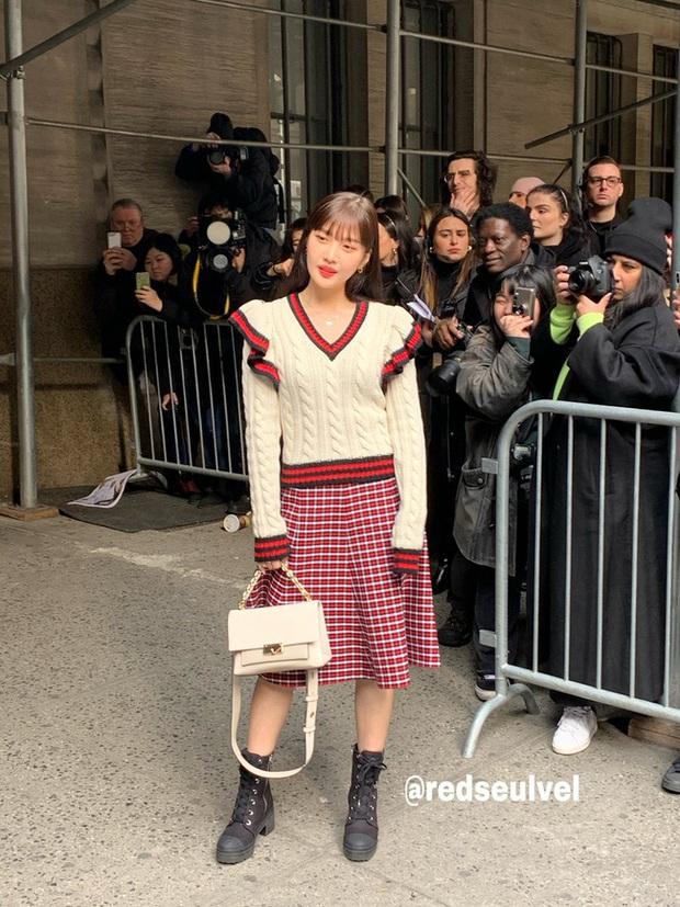 Joy (Red Velvet) lên đồ xinh tươi như nữ sinh, đẹp thách thức mọi góc chụp dìm hàng tại NYFW - Ảnh 5.