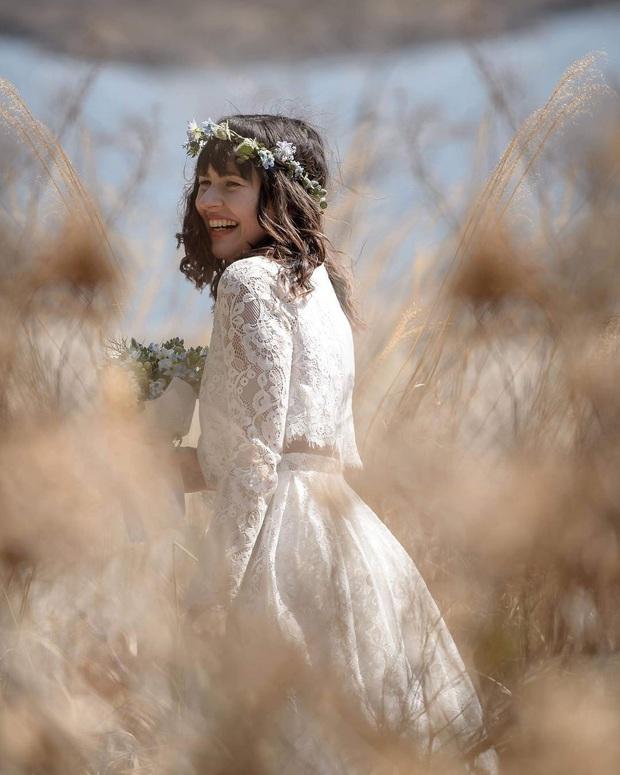 Mẫu váy cưới bán chạy nhất 2019: Mỗi ngày bán được 9 chiếc, khiến các cô dâu trên thế giới phát cuồng - Ảnh 7.