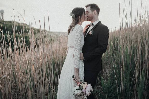 Mẫu váy cưới bán chạy nhất 2019: Mỗi ngày bán được 9 chiếc, khiến các cô dâu trên thế giới phát cuồng - Ảnh 9.