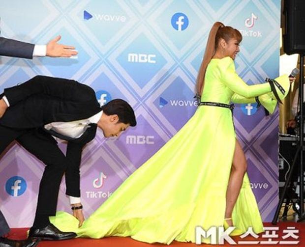 Tin đồn hẹn hò sốc nhất đầu năm: Tài tử cực phẩm Sung Hoon đang yêu nữ danh hài Park Na Rae, còn có bằng chứng cụ thể? - Ảnh 4.