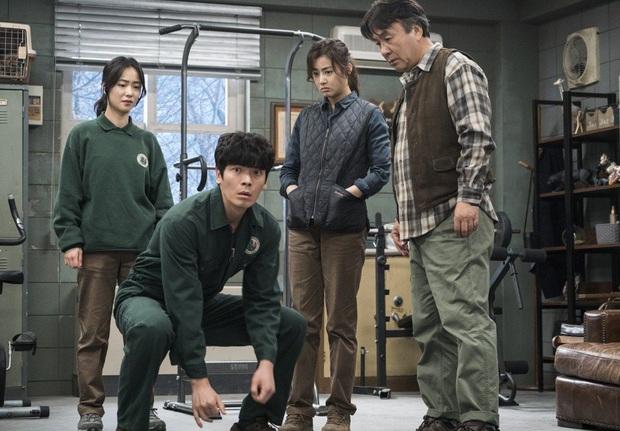 Review Sở Thú Thoát Ế: Mang theo bình oxy đề phòng cười nín thở, kịch bản đúng dị chỉ người Hàn mới nghĩ ra! - Ảnh 11.