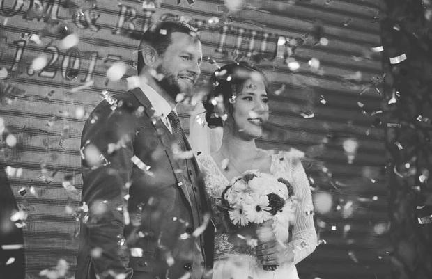 Gặp đúng người hôn nhân sẽ như... gánh xiếc: 1001 câu chuyện cưng xỉu của vợ Việt - chồng Tây khiến dân tình haha mỏi tay - Ảnh 1.