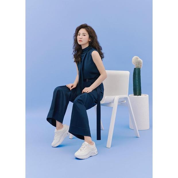 Trời ơi Song Hye Kyo khoe ảnh mới với mái tóc xù, visual thăng cấp 100 lần bạn đã biết chưa? - Ảnh 11.