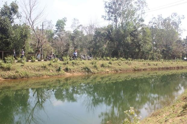 Thanh niên bị điện giật tử vong vì cần câu cá vướng vào dây cao thế - Ảnh 1.