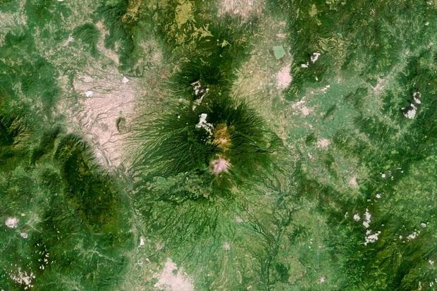 10 ảnh vệ tinh đẹp nao lòng từ Google Earth: Sự sắp đặt thần kỳ của tạo hóa xứng tầm tác phẩm triệu đô - Ảnh 5.