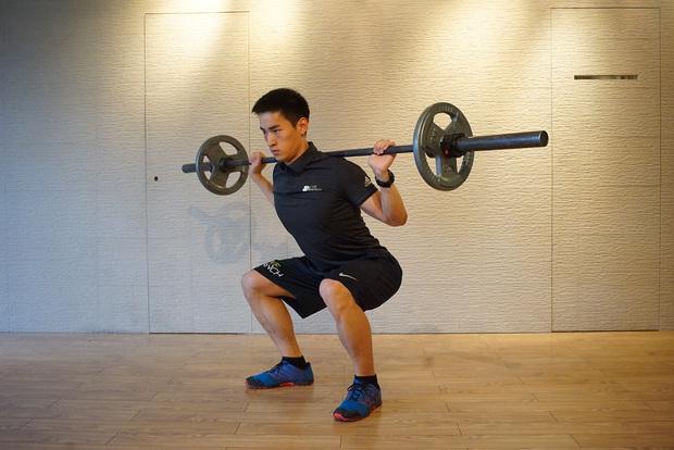 Tập squat rất tốt cho cơ thể, nhưng có 4 nhóm người cẩn thận nếu không muốn hại thân! - Ảnh 2.