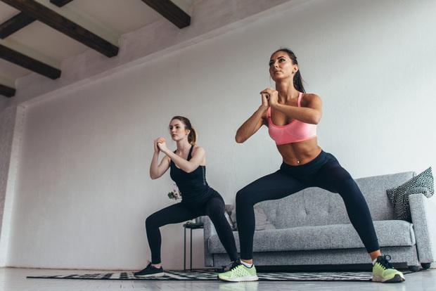 Tập squat rất tốt cho cơ thể, nhưng có 4 nhóm người cẩn thận nếu không muốn hại thân! - Ảnh 1.