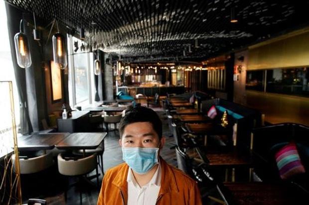 Trung Quốc: Không khí Valentine tẻ nhạt khác thường bởi virus Corona  - Ảnh 2.
