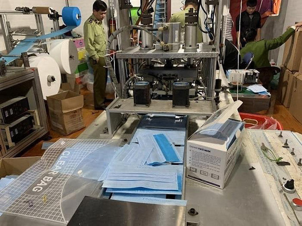 Hải Phòng: Phát hiện xưởng sản xuất khẩu trang y tế trái phép - Ảnh 2.