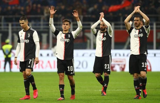Ronaldo lập công phút bù giờ, cứu Juventus thoát khỏi trận thua trước AC Milan ở bán kết lượt đi Cúp Quốc gia Ý - Ảnh 9.