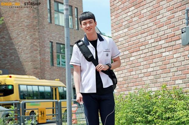 9 nam thần trẻ xứ Hàn lần đầu đóng phim đã được khen nức nở: D.O. được đề cử danh giá, Geun Soo đốn tim hội chị em cực mạnh - Ảnh 10.